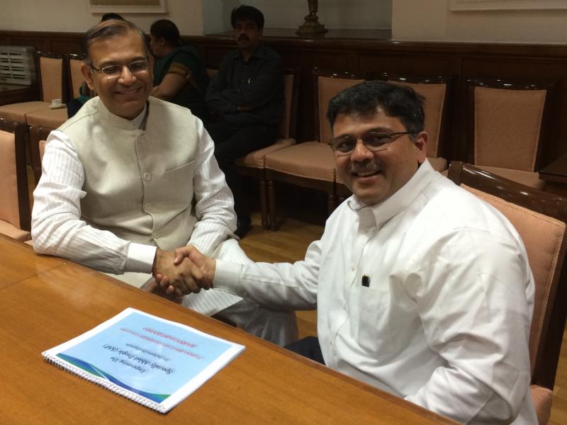 Pranav with H'ble Finance Minister Shri Jayant Sinha ji, Govt. of India