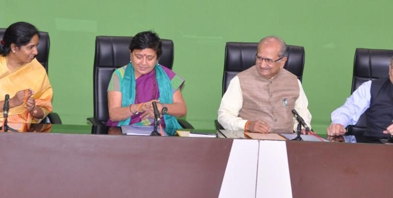 VOSAP & Minister of Education, 1 hr live vdo address to 30,000 schools (Click for Photos)
